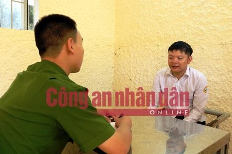 Cơ quan điều tra làm việc với đối tượng Nguyễn Văn Tiến.