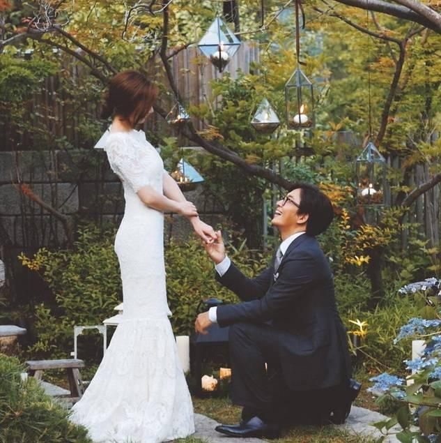 Bae Yong Joon và Park Soo Jin tổ chức đám cưới vào tháng 7 năm ngoái.