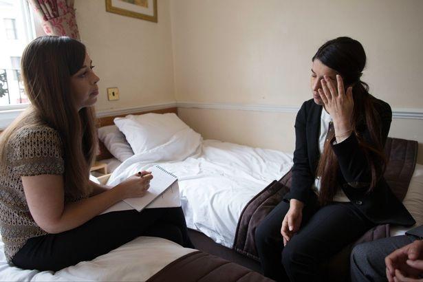 Nadia trả lời phỏng vấn báo chí (Ảnh: Reuters)