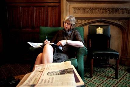 Thời trang đẹp mê mẩn của tân nữ Thủ tướng Anh - 8