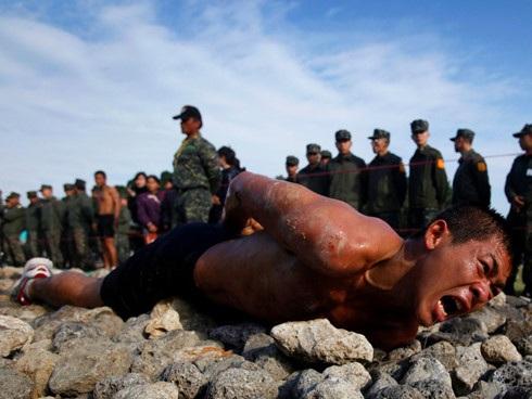 Lính Đài Loan luyện tập. Ảnh: Reuters