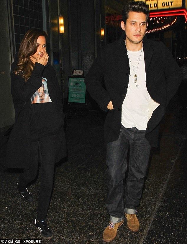 Bạn trai cũ của Katy - ca sỹ John Mayer cũng tới xem show diễn cùng bạn gái mới