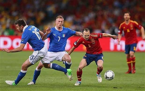 Đại chiến Italia - Tây Ban Nha luôn thuộc hàng kinh điển của bóng đá thế giới