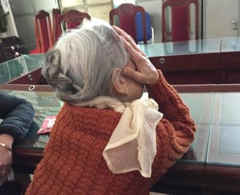 Mảnh đời bất hạnh của bà cụ Hoạt khiến ai cũng xót xa.
