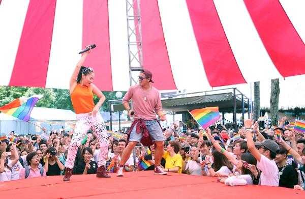 Ca sĩ Thu Minh và Trọng Hiếu hết mình ủng hộ cộng đồng LGBT