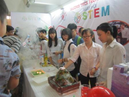 Gieo niềm đam mê khoa học cho học sinh - 3