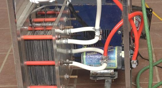 Hình ảnh máy hàn cắt kim loại sử dụng nhiên liệu nước