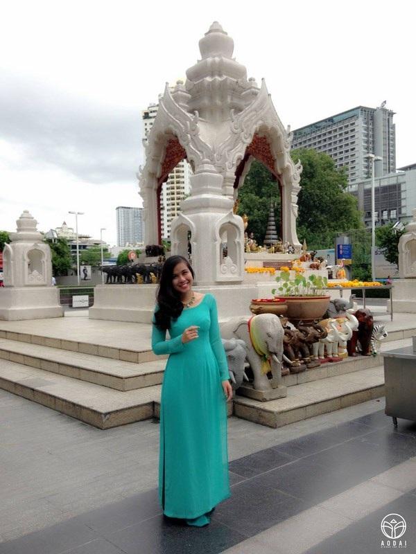 Sang xứ sở chùa vàng Thái Lan.