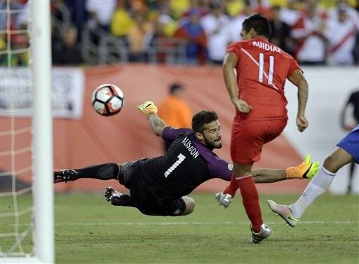 Brazil bị loại khỏi Copa America bởi bàn thắng bằng tay của cầu thủ Peru
