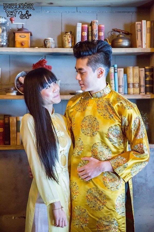 """Dù sinh ra và lớn lên ở Việt Nam hay Đức thì thế hệ trẻ vẫn luôn cố gắng gìn giữ """"hồn dân tộc. Tà áo dài mang ý nghĩa đoàn viên sẽ càng có ý nghĩa hơn mỗi dịp Tết đến xuân về."""