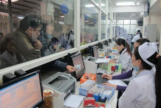 Tin học hóa hệ thống giúp giảm thời gian của người bệnh khám theo thẻ BHYT (Ảnh: NLD)