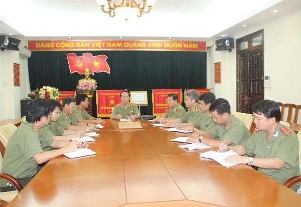 Đại tướng Trần Đại Quang trong cuộc họp chỉ đạo ban chuyên án truy bắt đối tượng Giang Kim Đạt