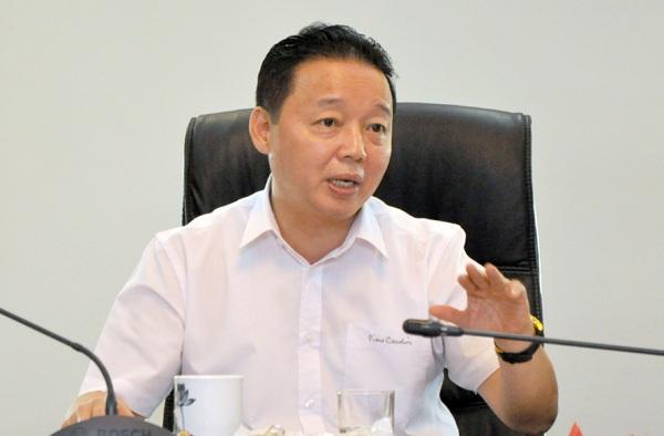 """Bộ trưởng Trần Hồng Hà chỉ đạo xử lý """"nóng"""" vụ thản nhiên giết chết một dòng sông."""