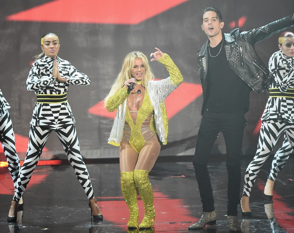 Britney trình diễn ca khúc mới Make Me cùng rapper G-Eazy