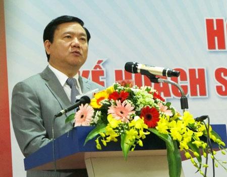Bộ trưởng Đinh La Thăngsót ruột về hoạt động kinh doanh của ngành đường sắt