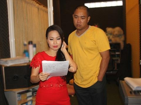 Hữu Minh - chồng Cẩm Ly - cũng là người quản lý cho nữ ca sĩ