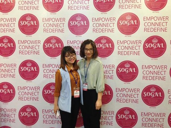 Hai cô gái xinh xắn của nhóm là Phương Thúy (trái) và Kiều Linh sẽ được tham dự diễn đàn với các startup toàn cầu tại Silicon Valley (Mỹ).