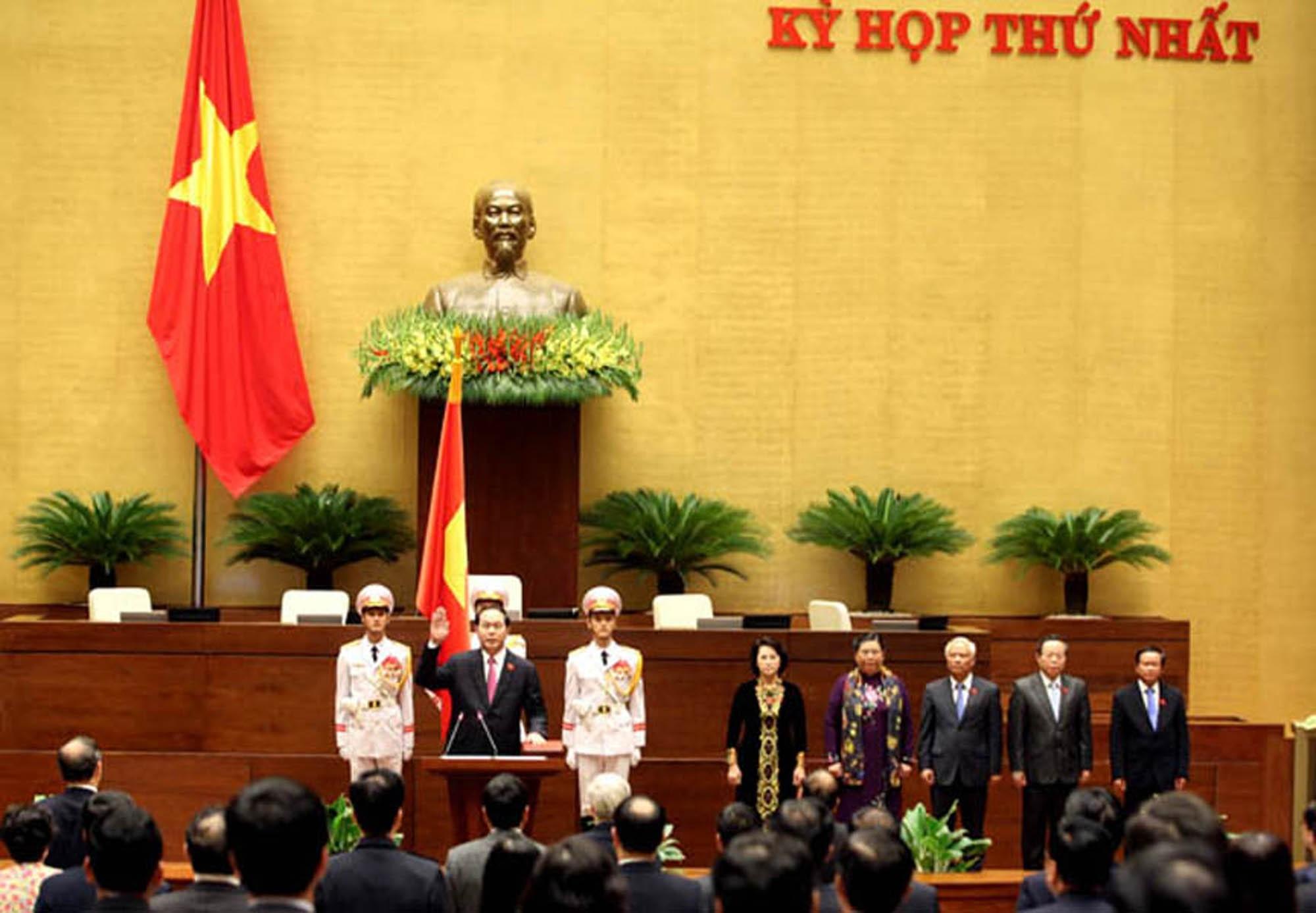 Chủ tịch nước làm lễ tuyên thệ nhậm chức. (Ảnh: H.L)