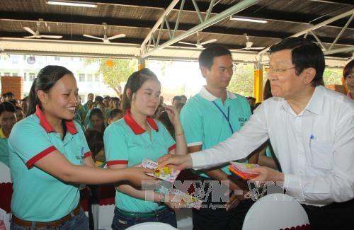 Chủ tịch nước Trương Tấn Sang thăm, chúc tết công nhân Công ty TNHH Prime Asia Việt Nam