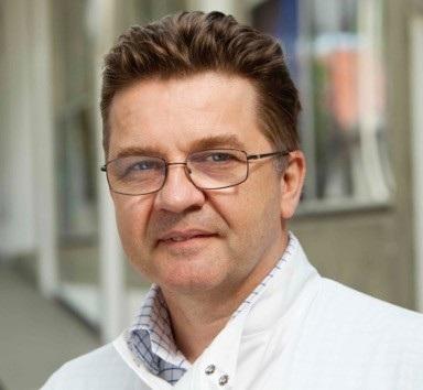 Giáo sư Simon Cutting, đại học Hoàng Gia Holloway là một chuyên gia nổi tiếng trong ngành vi sinh học thế giới