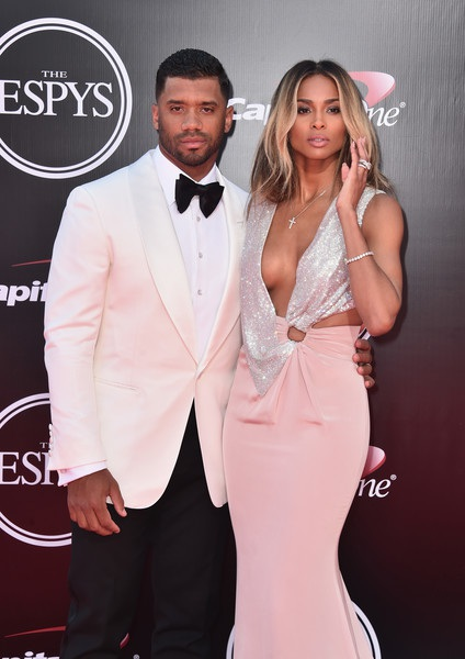 Ciara đã có 1 con riêng trước khi kết hôn với cầu thủ bóng bầu dục điển trai này