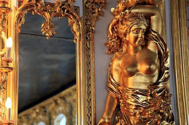 Bên trong Cung điện Catherine. (Ảnh: Shanghaiít)