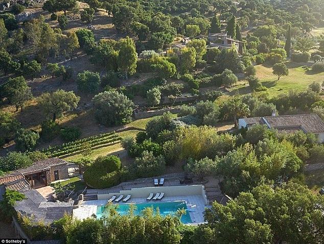 Johnny Depp đang rao bán ngôi nhà đẹp như mơ tại Pháp với giá 55,5 triệu đô la