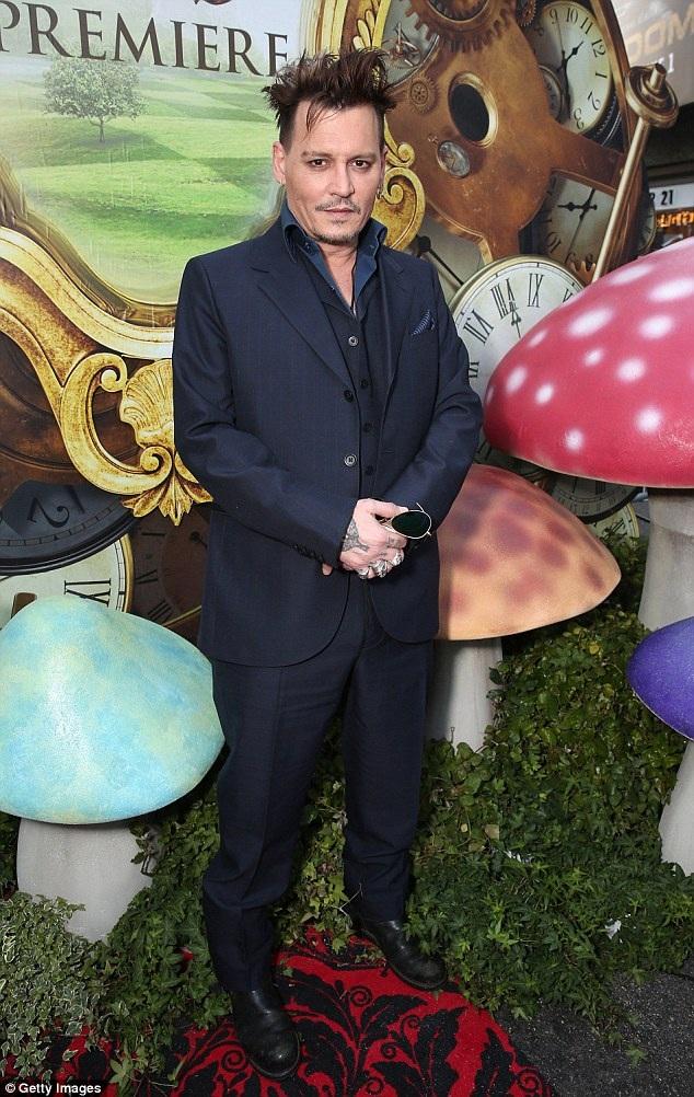 Chỉ cách đây ít ngày, diễn viên 52 tuổi cũng rao bán ngôi nhà ở Venice, Ý với giá gần 11 triệu đô la