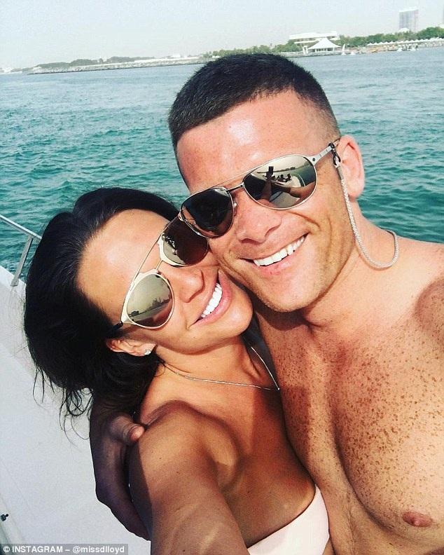 Hoa hậu 3 con Danielle Lloyd đã đính hôn với bạn trai Michael ONeill chỉ sau 6 tháng hẹn hò