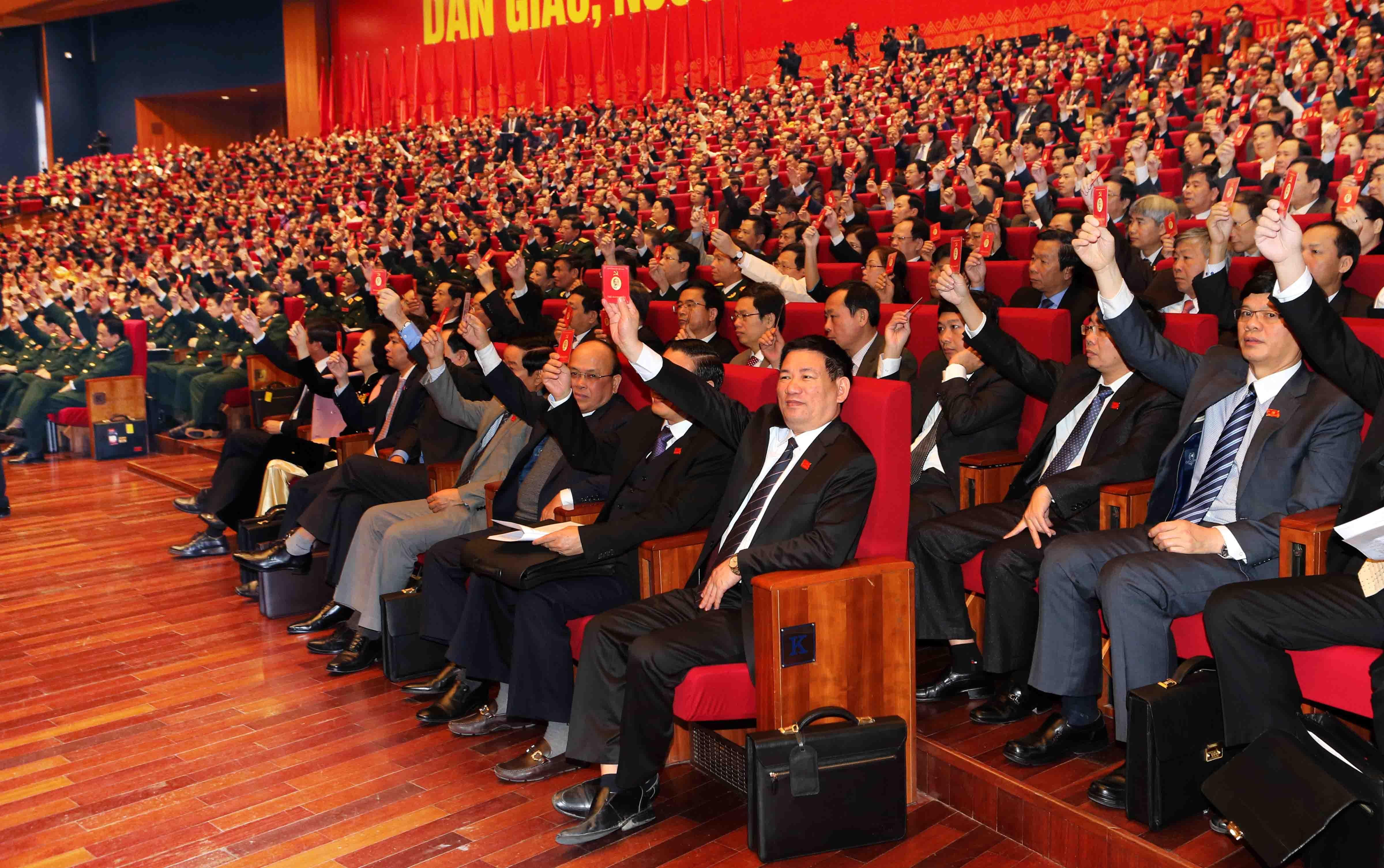 Hôm nay, công bố kết quả bầu Bộ Chính trị, Tổng Bí thư khoá XII - 1