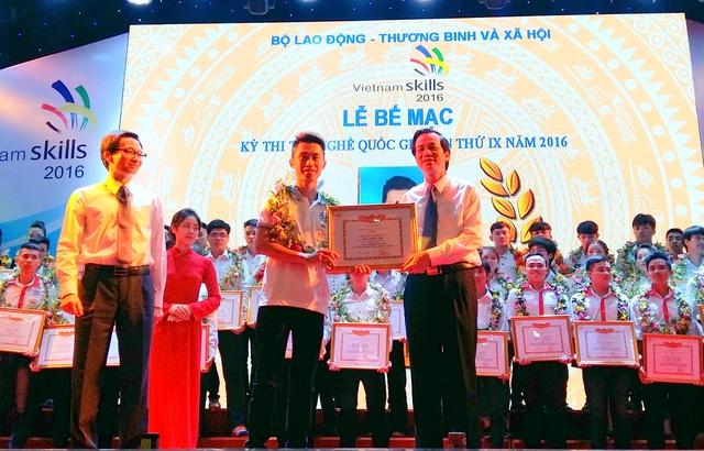 Lễ trao giải và bế mạc Kỳ thi tay nghề Quốc gia năm 2016.