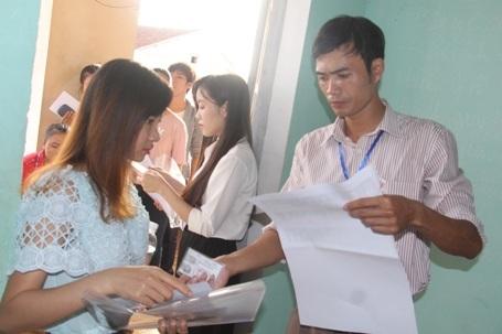 Sáng nay, hơn 800.000 thí sinh làm bài thi môn Toán - 1