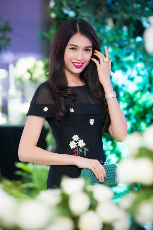 Á hậu Hoa hậu Hoàn vũ 2015 Lệ Hằng