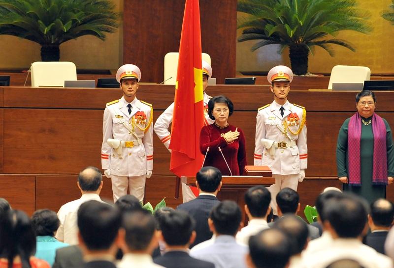 Chủ tịch Quốc hội khóa XIV làm lễ tuyên thệ (Ảnh: HL)
