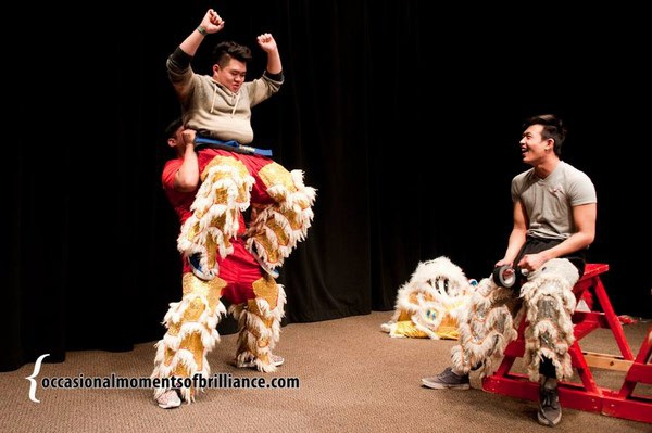 Tình yêu với múa lân sư rồng của hai chàng trai như một minh chứng rằng, văn hóa nguồn cội – văn hóa Tết vẫn được lưu giữ trong tâm hồn những bạn trẻ Việt kiều.