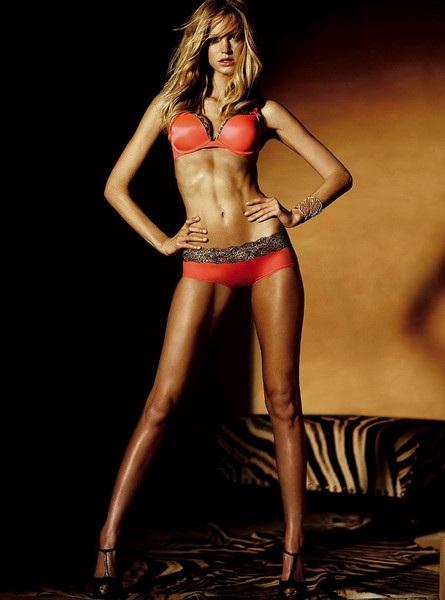 Thân hình hoàn hảo không tì vết của Erin khi còn là siêu mẫu cho nhãn hiệu Victorias Secret.