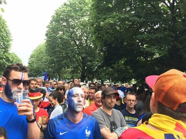 """Du học sinh Việt tại Paris đã sẵn sàng """"ăn ngủ cùng Euro"""" - 10"""