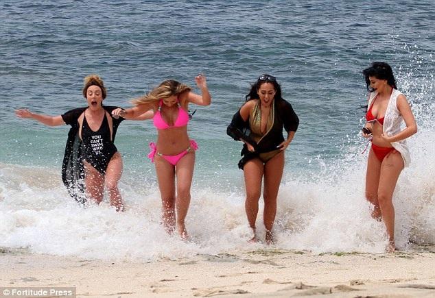 Dàn người đẹp bốc lửa với bikini - 10