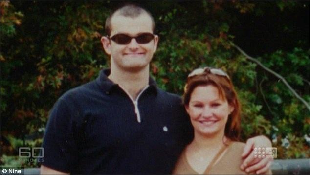 Danica Weeks (phải) cùng người chồng - nạn nhân trên chuyến bay MH370. (Ảnh: AFP)