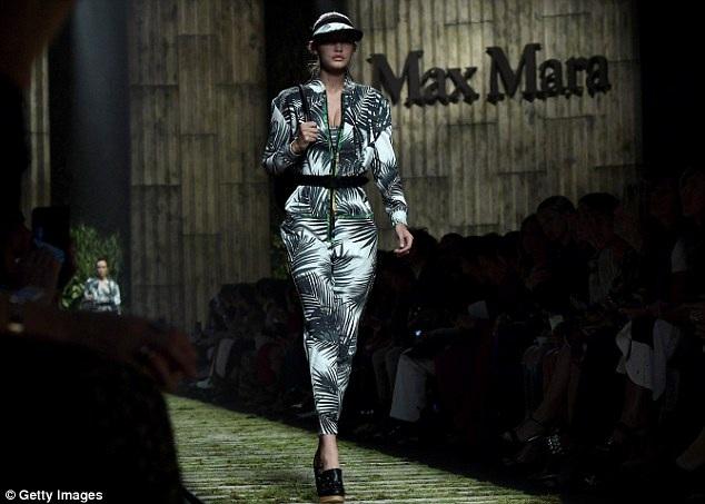 Gigi Hadid vừa rời tuần lễ thời trang New York và đã được mời sang Ý tiếp tục biểu diễn thời trang. Người mẫu xinh đẹp này từng xuất hiện trên tạp chí Sports Illustrated
