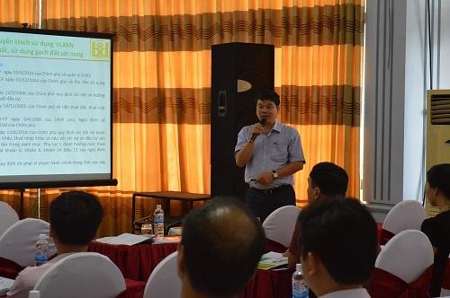 Ông Phạm Văn Bắc – Phó Vụ trưởng Vụ Vật liệu xây dựng (Bộ Xây dựng) trao đổi về định hướng phát triển vật liệu xây dựng bền vững