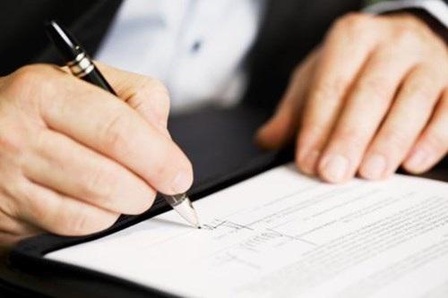 Chậm nhất 20 ngày người trúng tuyển viên chức phải đến ký hợp đồng làm việc - 1