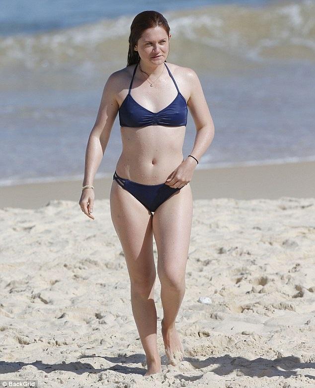 Nữ diễn viên Bonnie Wright tận hưởng kỳ nghỉ tại Sydney, Australia ngày 13/4 vừa qua