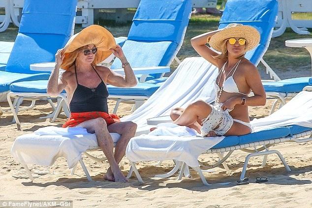 Ngôi sao tóc vàng rất gắn bó với mẹ đẻ - nữ diễn viên từng giành giải Oscar Goldie Hawn