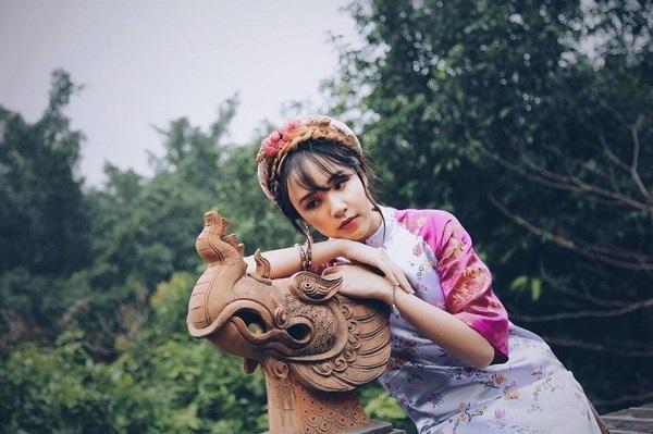 Á khôi du học sinh Việt diện áo dài cách tân đẹp hút mắt - 2