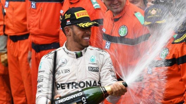 Lewis Hamilton khẳng định đẳng cấp nhà vô địch - 12