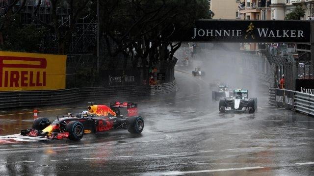 Lewis Hamilton khẳng định đẳng cấp nhà vô địch - 9
