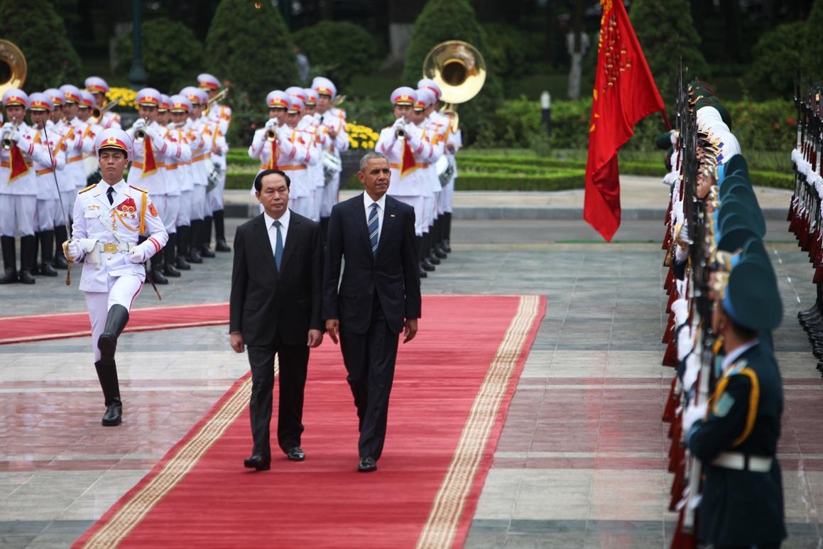 Cuộc gặp của nguyên thủ 2 nước Việt - Mỹ tại Phủ Chủ tịch mang lại nhiều kết quả quan trọng, trong đó có tuyên bố về việc dỡ bỏ lệnh cấm vận vũ khí (Ảnh: Quý Đoàn).