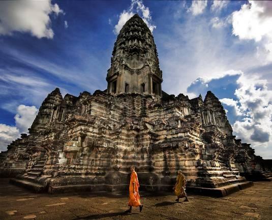 Du ngoạn hai quốc gia Phật giáo đầu xuân - 1