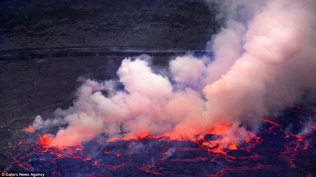 """Chiêm ngưỡng """"vẻ đẹp tử thần"""" của ngọn núi lửa lớn nhất thế giới - 4"""